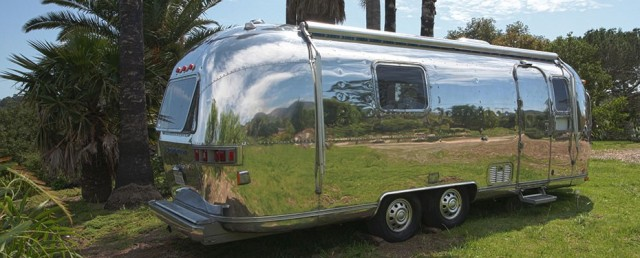 1978_airstream_tradewind_modern-polished-930x375
